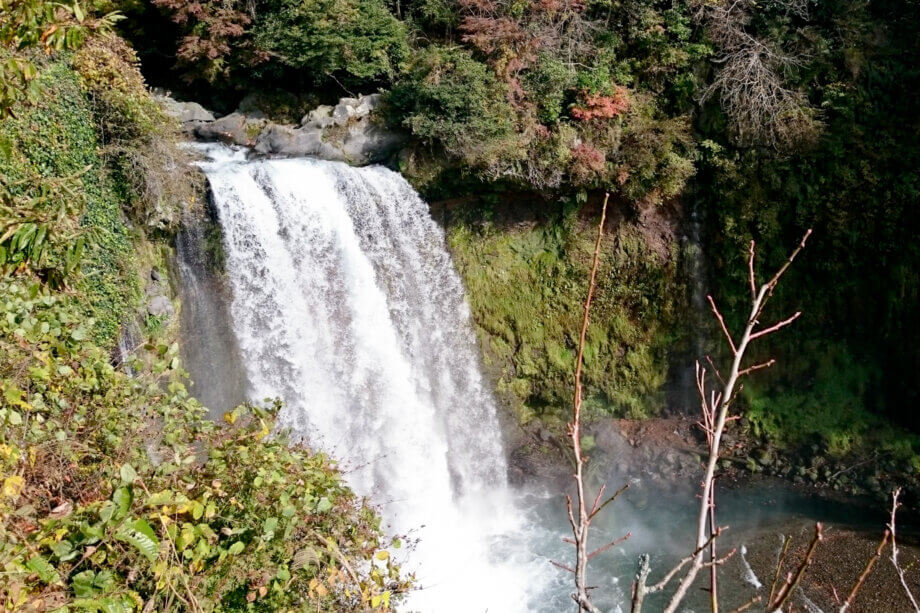 音止めの滝