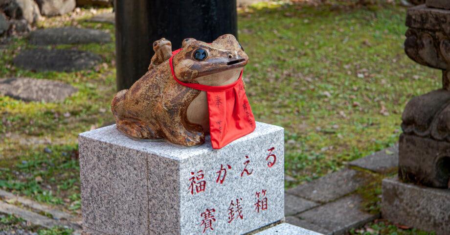 伏見稲荷大社にたくさんある小さな神社「お塚」を巡る旅