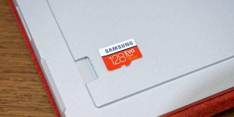Surface Pro 7 microSDカードリーダー