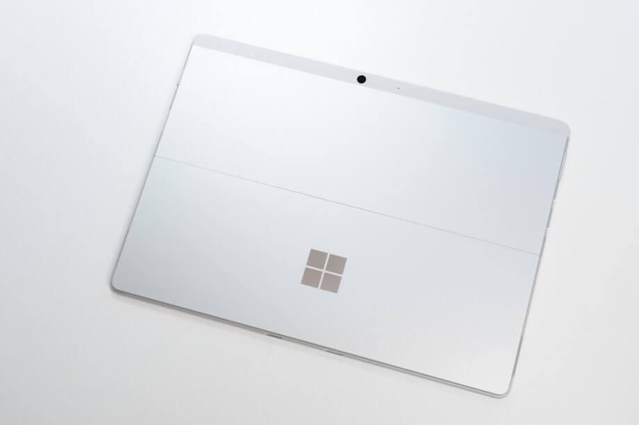 Surface Pro X 新色のプラチナ
