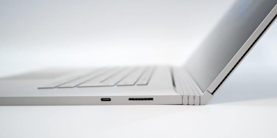 Surface Book 3 広げた状態